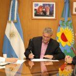 Ferraresi firmó un convenio con el Colegio de Farmacéuticos de Avellaneda