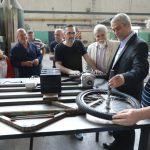 Jorge Ferraresi visitó la muestra anual de la Escuela Técnica Nº 4