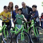 Otros 1347 niños y niñas de escuelas públicas de Avellaneda recibieron sus bicicletas