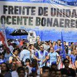 Docentes de Avellaneda se suman al reclamo por salarios dignos