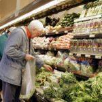 La canasta básica de jubilados aumentó un 70% en un año y ya supera los $8.900